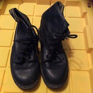 Men's Doc Marten Boots size 8.5